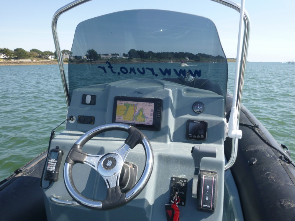 Hire RIB with or without skipper Bombard La Trinité-sur-Mer