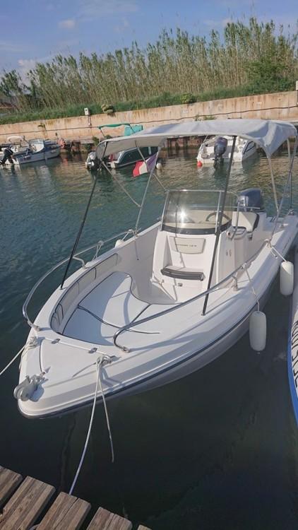 Location bateau Hyères pas cher Voyager 19 S