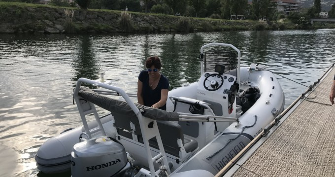 Louez un Highfield Ocean Master 540 à Mandelieu-la-Napoule