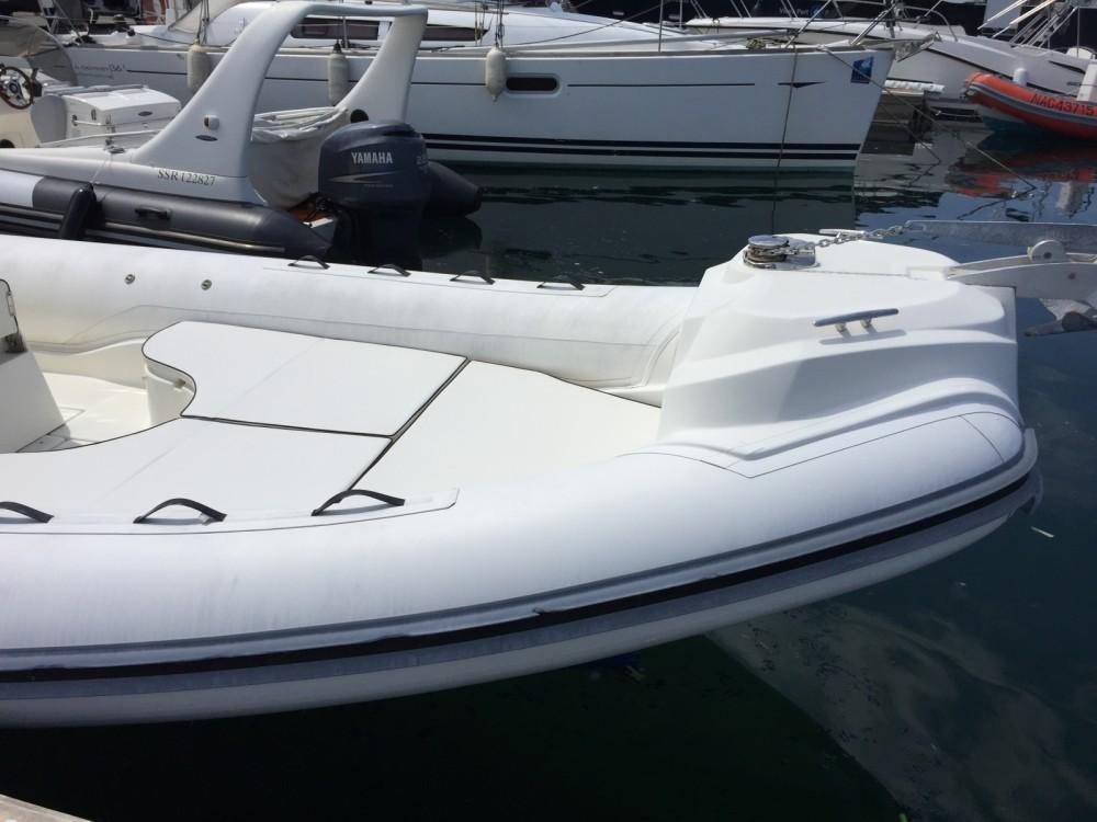 Location bateau Marseille pas cher Blackfin