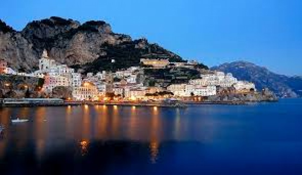 Yacht for rent Amalfi at the best price