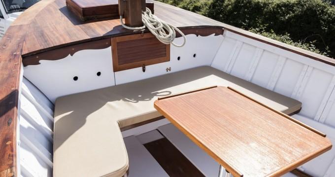 Louer Bateau à moteur avec ou sans skipper Astondoa à Es Mercadal
