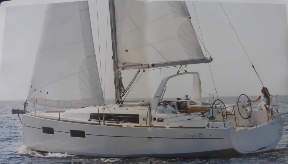 Location bateau Arzon pas cher Oceanis 35