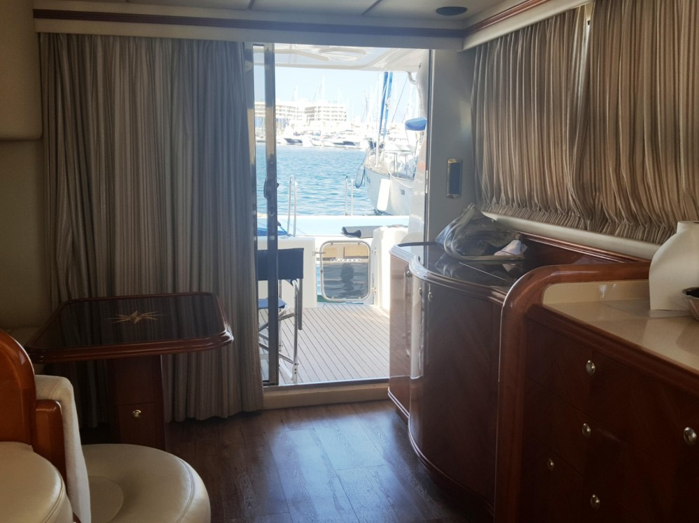Yacht for rent Alicante at the best price