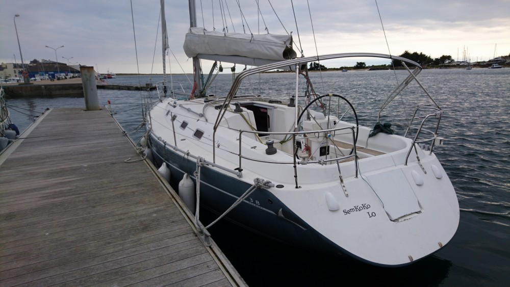 Hire Sailboat with or without skipper Poncin Yachts Locmiquélic