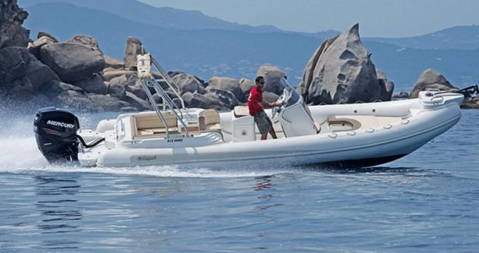 Louer Semi-rigide avec ou sans skipper Callegari à Ajaccio