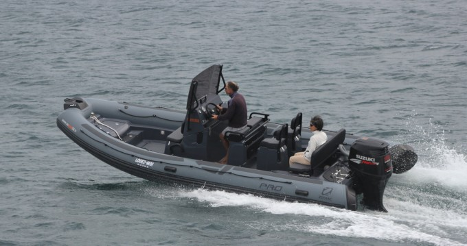 Location bateau Zodiac Pro 7 à Port-Louis sur Samboat