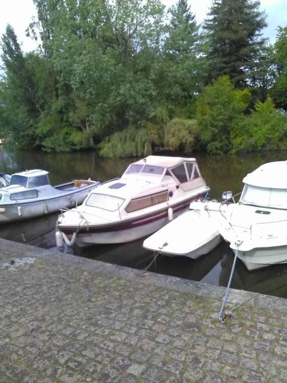 Louer Bateau à moteur avec ou sans skipper Shetland 4+2 à Nantes