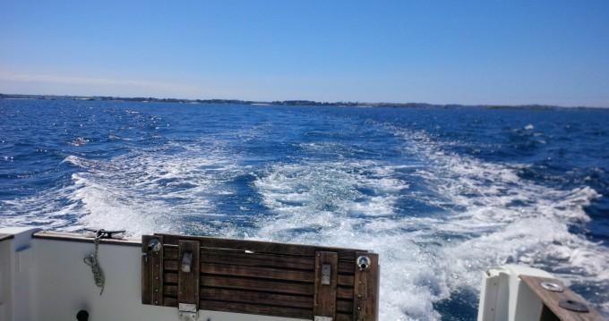 Louer Bateau à moteur avec ou sans skipper Bénéteau à Plougasnou