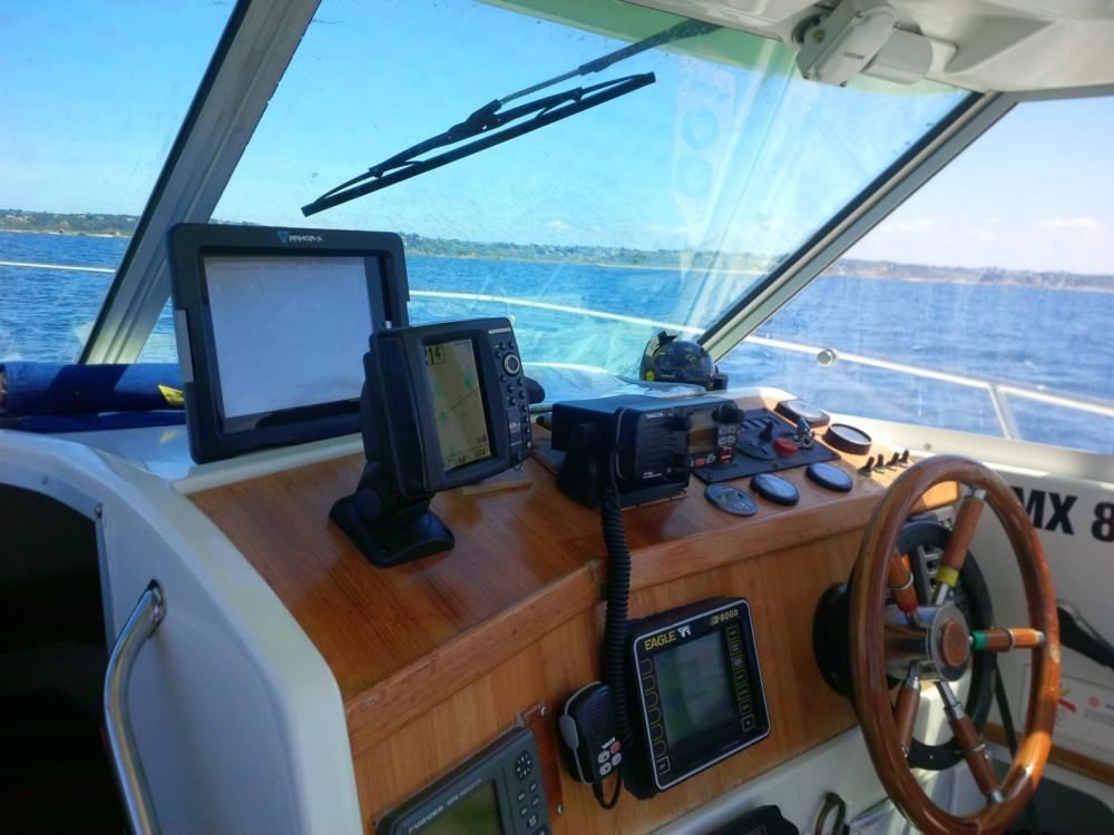 Rental Motor boat in Plougasnou - Bénéteau Merry Fisher 700