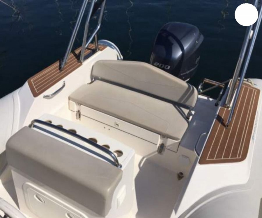 Rental yacht Portigliolo - Capelli Tempest 700 on SamBoat