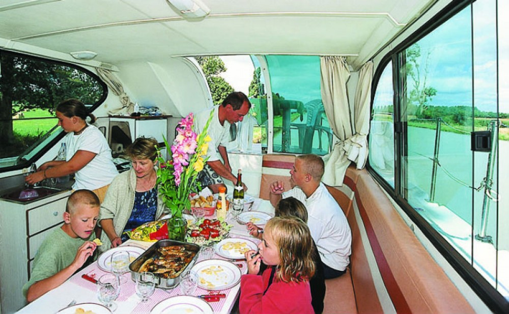 Houseboat for rent Sablé-sur-Sarthe at the best price