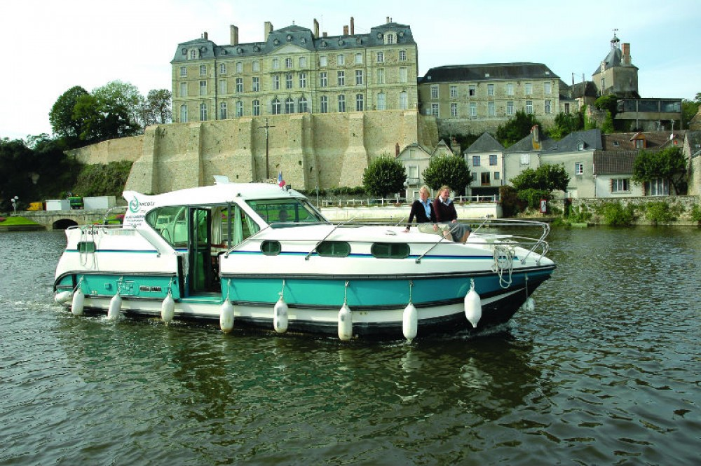 Hire Houseboat with or without skipper Nicols Sablé-sur-Sarthe