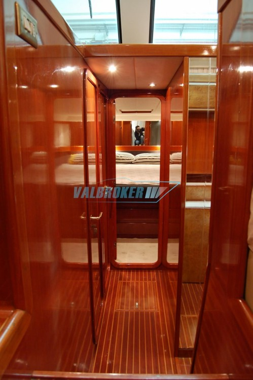 Location Yacht Uniesse avec permis