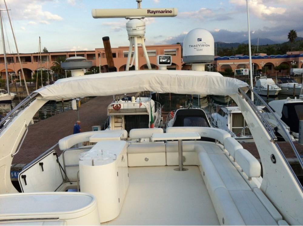 Location Yacht à Furnari - Aicon 64 FLY