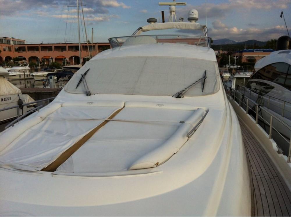 Location Yacht Aicon avec permis