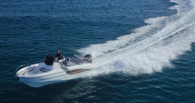 Boat rental Le Croisic cheap Flyer 6.6 SPACEdeck