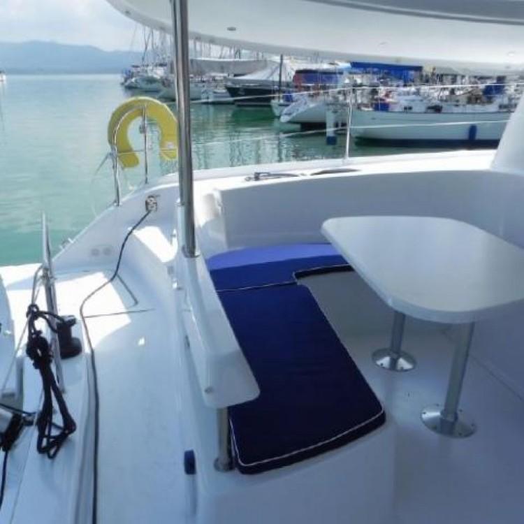 Location bateau Fountaine Pajot Lipari 41 à Phuket sur Samboat