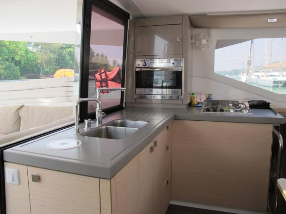 Location Catamaran à Phuket - Fountaine Pajot Lucia 40