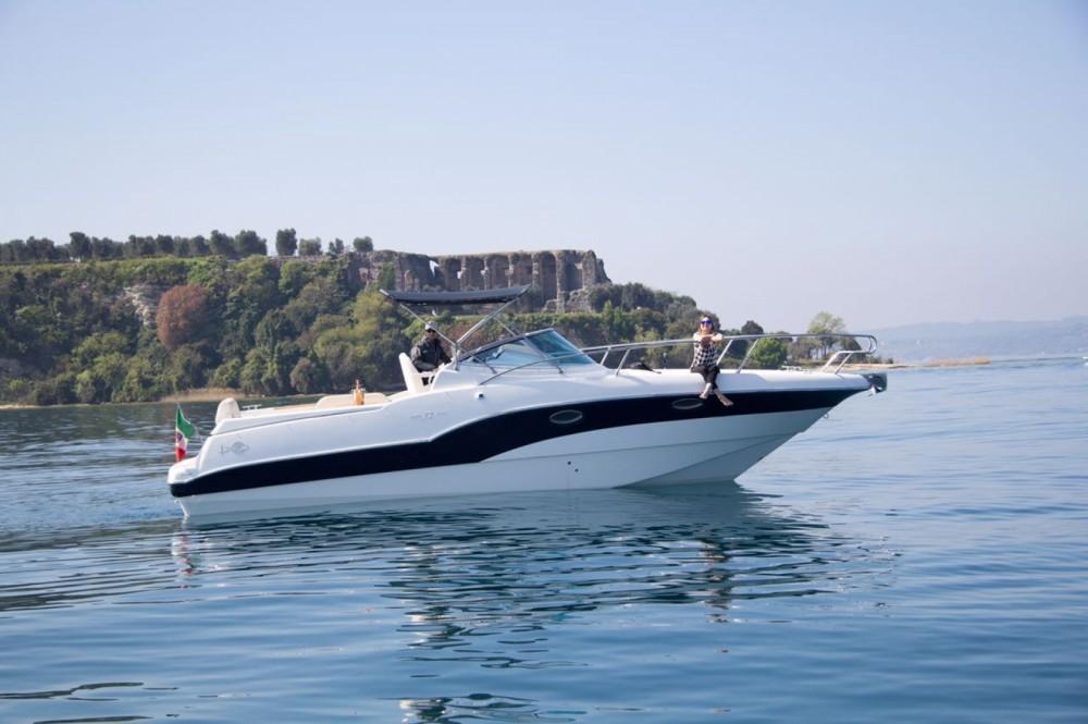 Location bateau Moniga del Garda pas cher Rio 32 BLU