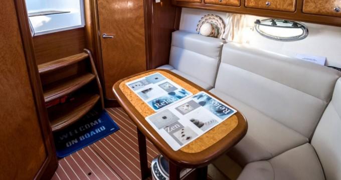 Louer Bateau à moteur avec ou sans skipper Bavaria à Cogolin