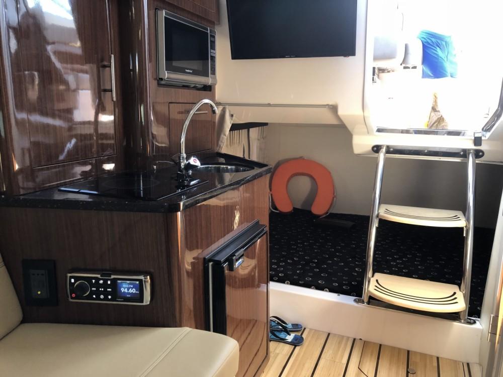 Location bateau Mandelieu-la-Napoule pas cher Regal 28 Express