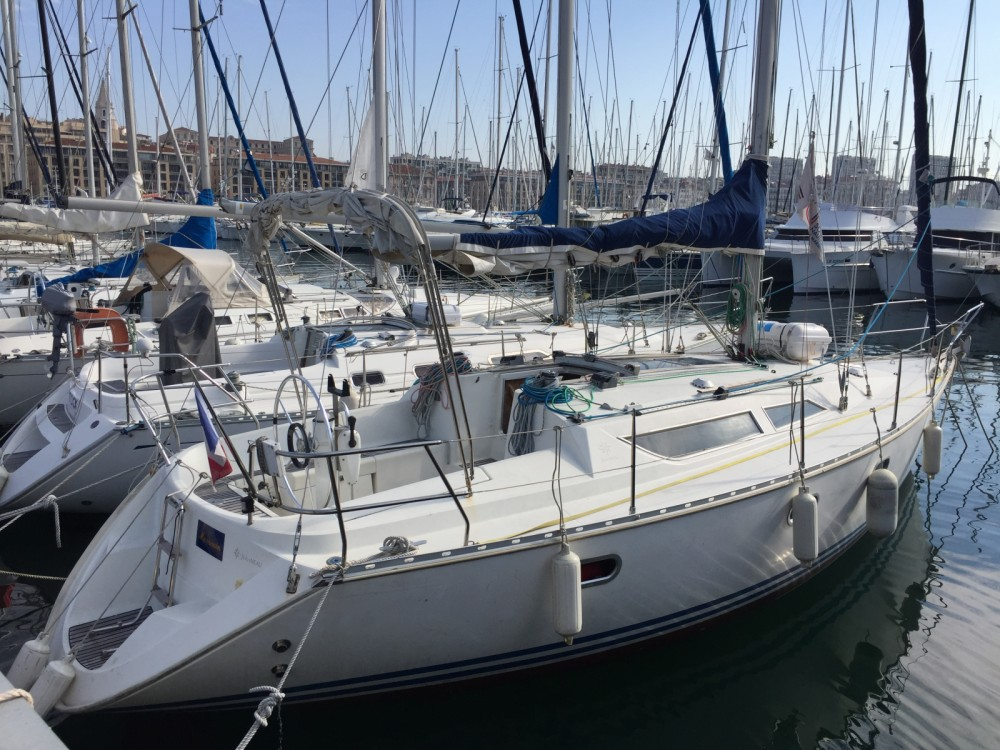 Boat rental Marseille cheap Sun Odyssey 33