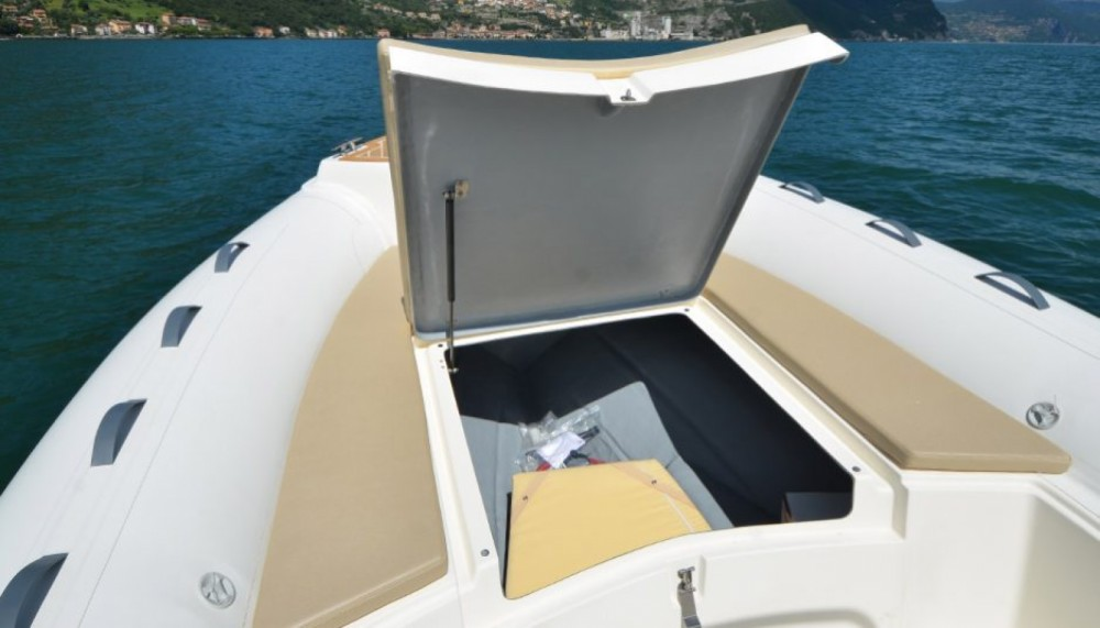 Location yacht à Marseille - Capelli Tempest 700 Sun  ( 2017 ) sur SamBoat