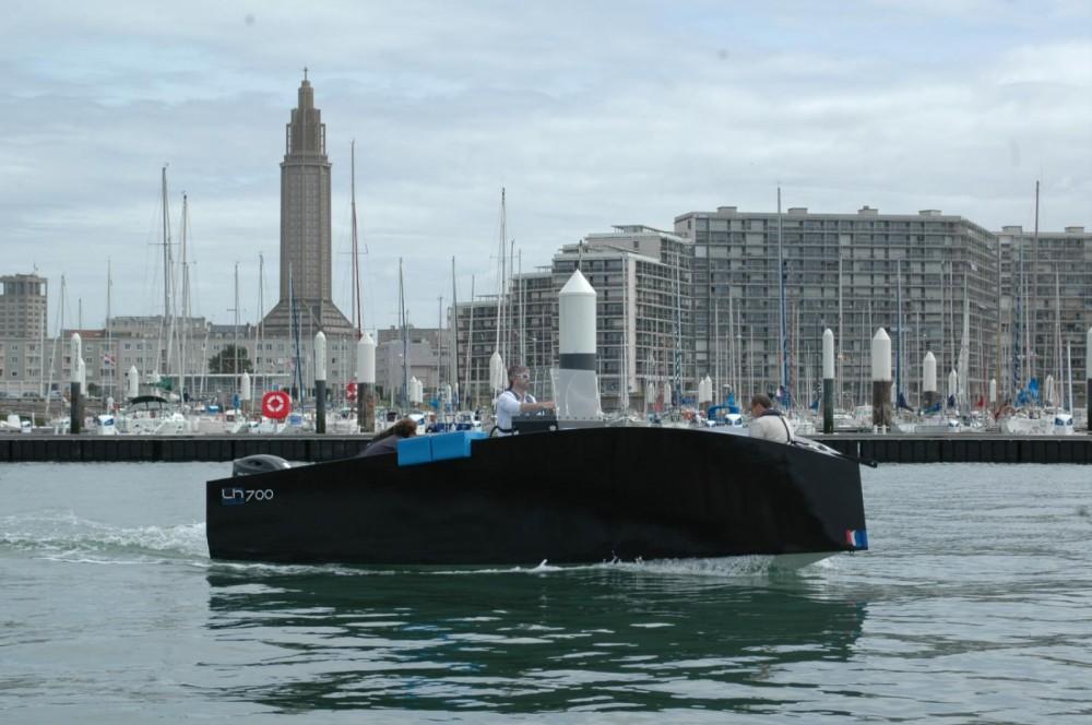 Louer Bateau à moteur avec ou sans skipper Lh Boats  à Le Havre
