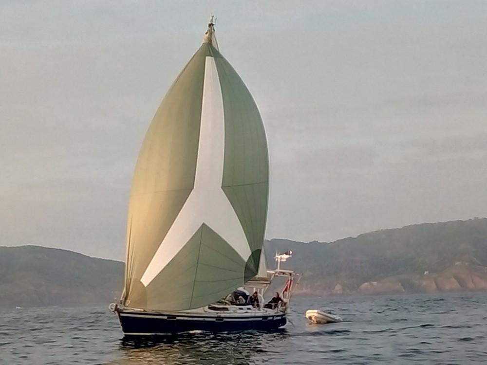Alquiler de barcos Hendaya barato de Oceanis 390