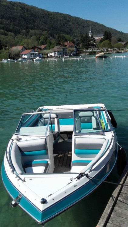 Motor boat for rent Aix-les-Bains at the best price
