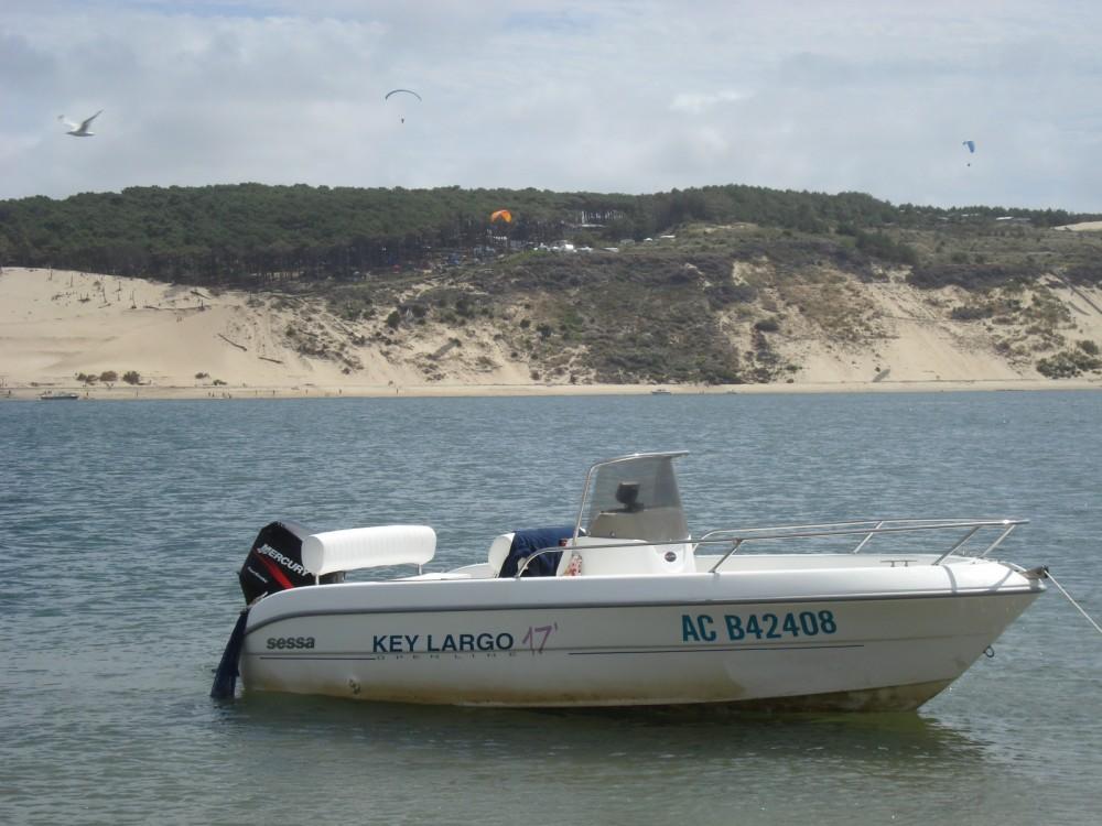 Location Bateau à moteur à Lège-Cap-Ferret - Sessa Marine Key Largo 17