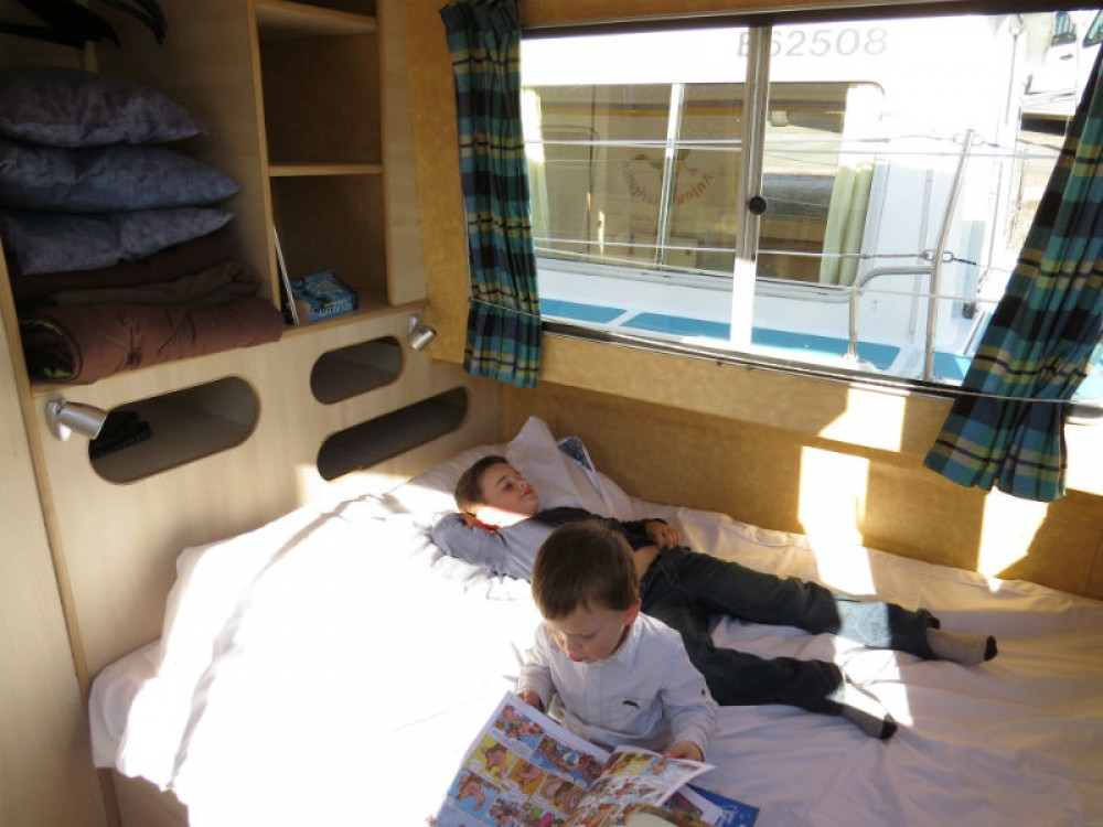 Hire Houseboat with or without skipper Jeanneau Sablé-sur-Sarthe