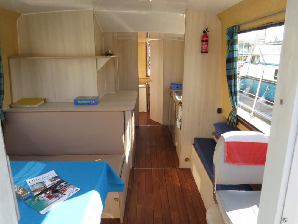 Louer Péniche avec ou sans skipper Jeanneau à Sablé-sur-Sarthe