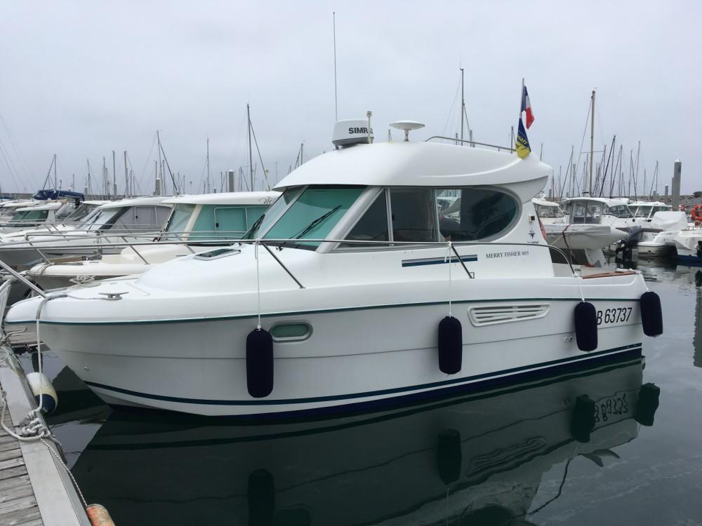 Location bateau Jeanneau Merry Fisher 805 à Saint-Quay-Portrieux sur Samboat