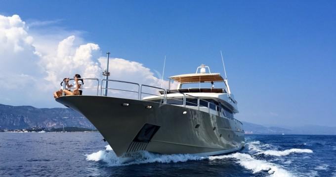 """Location bateau Aegean Builder 31.00 metres (101' 8"""") à Saint-Tropez sur Samboat"""