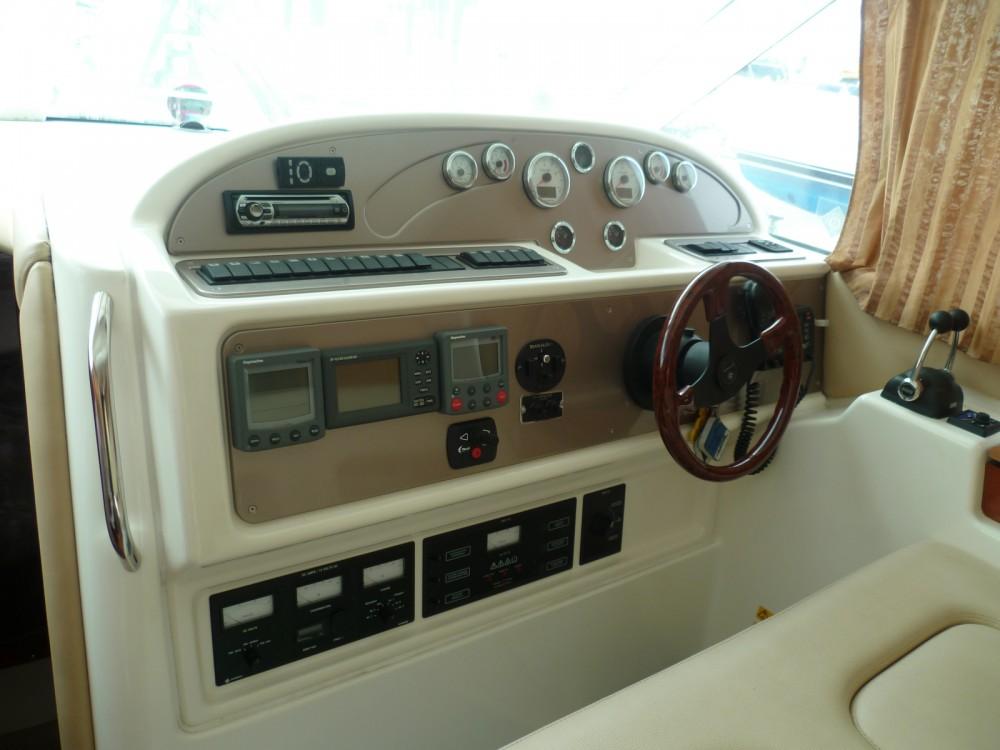 Louer Bateau à moteur avec ou sans skipper Jeanneau à Agde