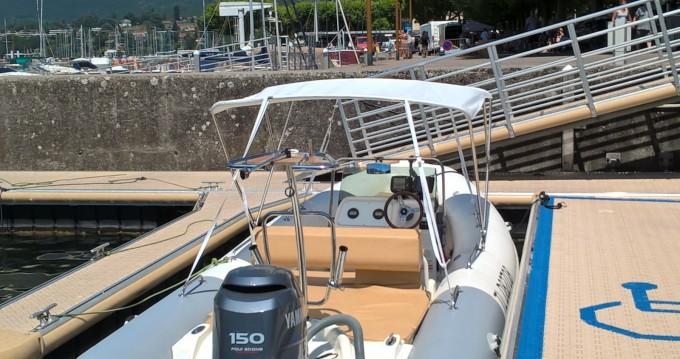 Louer Semi-rigide avec ou sans skipper Zodiac à Aix-les-Bains