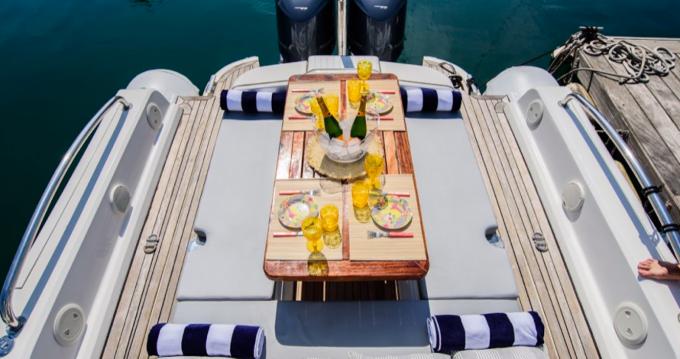 Location bateau Builder: Duarry Sportech à Barcelone sur Samboat