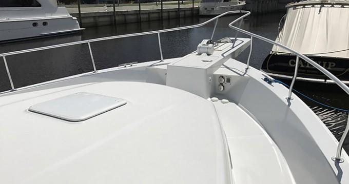 Louer Bateau à moteur avec ou sans skipper Mainship à Cannes