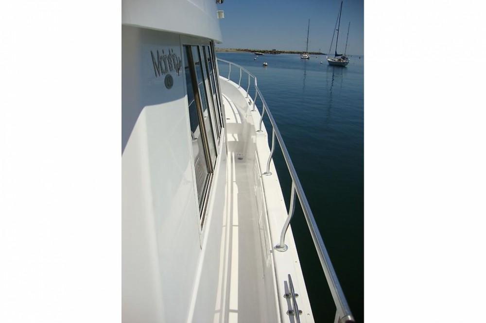 Location Bateau à moteur à Cannes - Mainship 430 Trawler