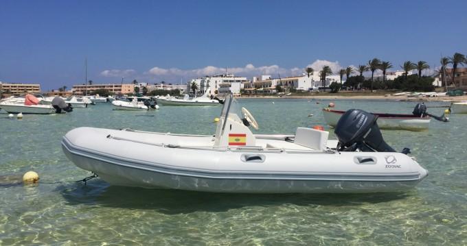 Rent a Zodiac Zoom Formentera