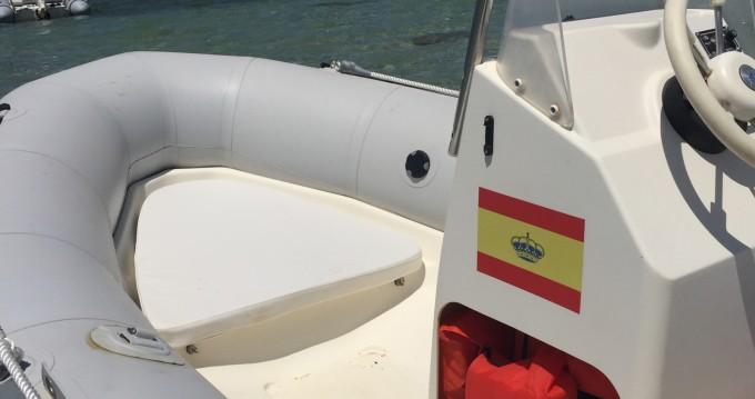 Semi-rigide à louer à Formentera au meilleur prix