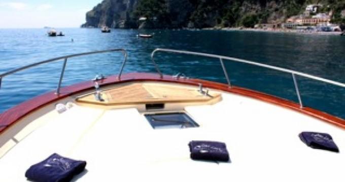 Location Bateau à moteur à Positano - Jeranto 11 classic