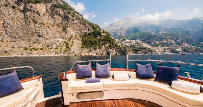 Location Bateau à moteur Sea Living Positano avec permis