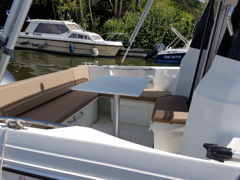 Huur Motorboot met of zonder schipper Jeanneau in Vaux-sur-Seine