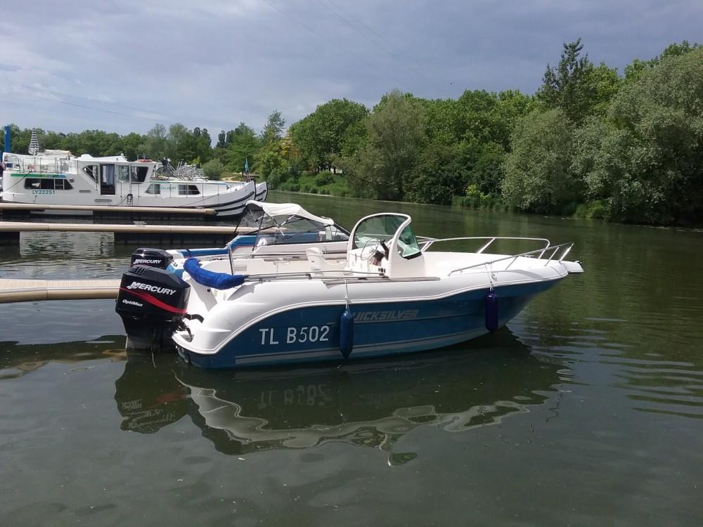 Location bateau Mâcon pas cher Quicksilver 630 Open