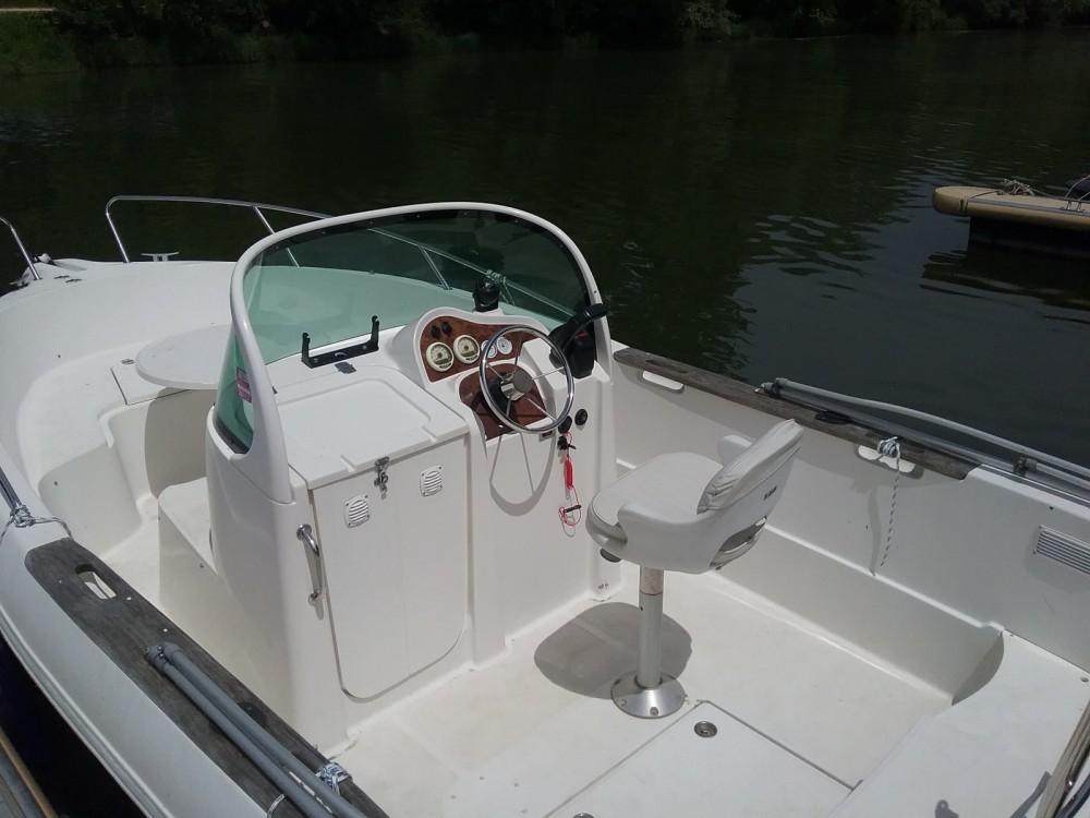 Location bateau Quicksilver Quicksilver 630 Open à Mâcon sur Samboat