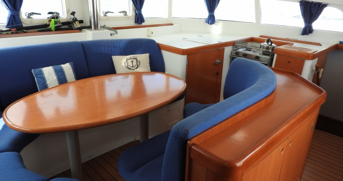 Boat rental Le Marin cheap Lagoon 410 S2