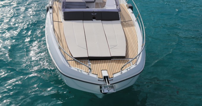 Location bateau Ajaccio pas cher Flyer 8.8 SUNdeck